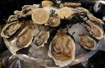 20120930夕食 -牡蠣の盛り合わせ2.jpg