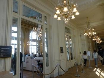 20121007オルセー美術館レストラン入口.jpg