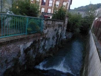 20121025Pont-Audemerの運河.jpg