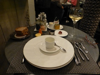 20121111夕食-ワインと前菜.jpg